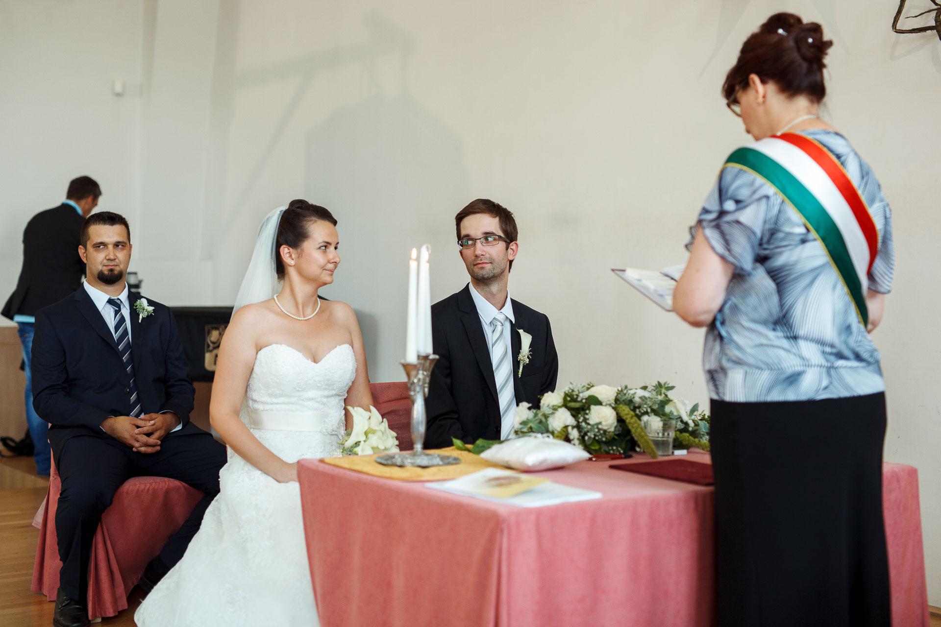 eskuvo_fotozas_wedding_foto_lenart_gabor_sztyui_budapest_0206_IMG_0418