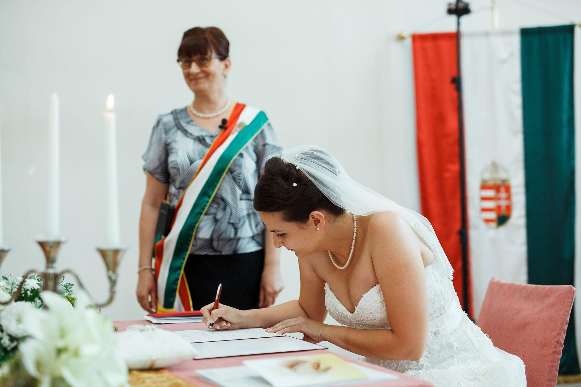 eskuvo_fotozas_wedding_foto_lenart_gabor_sztyui_budapest_0229_IMG_0460